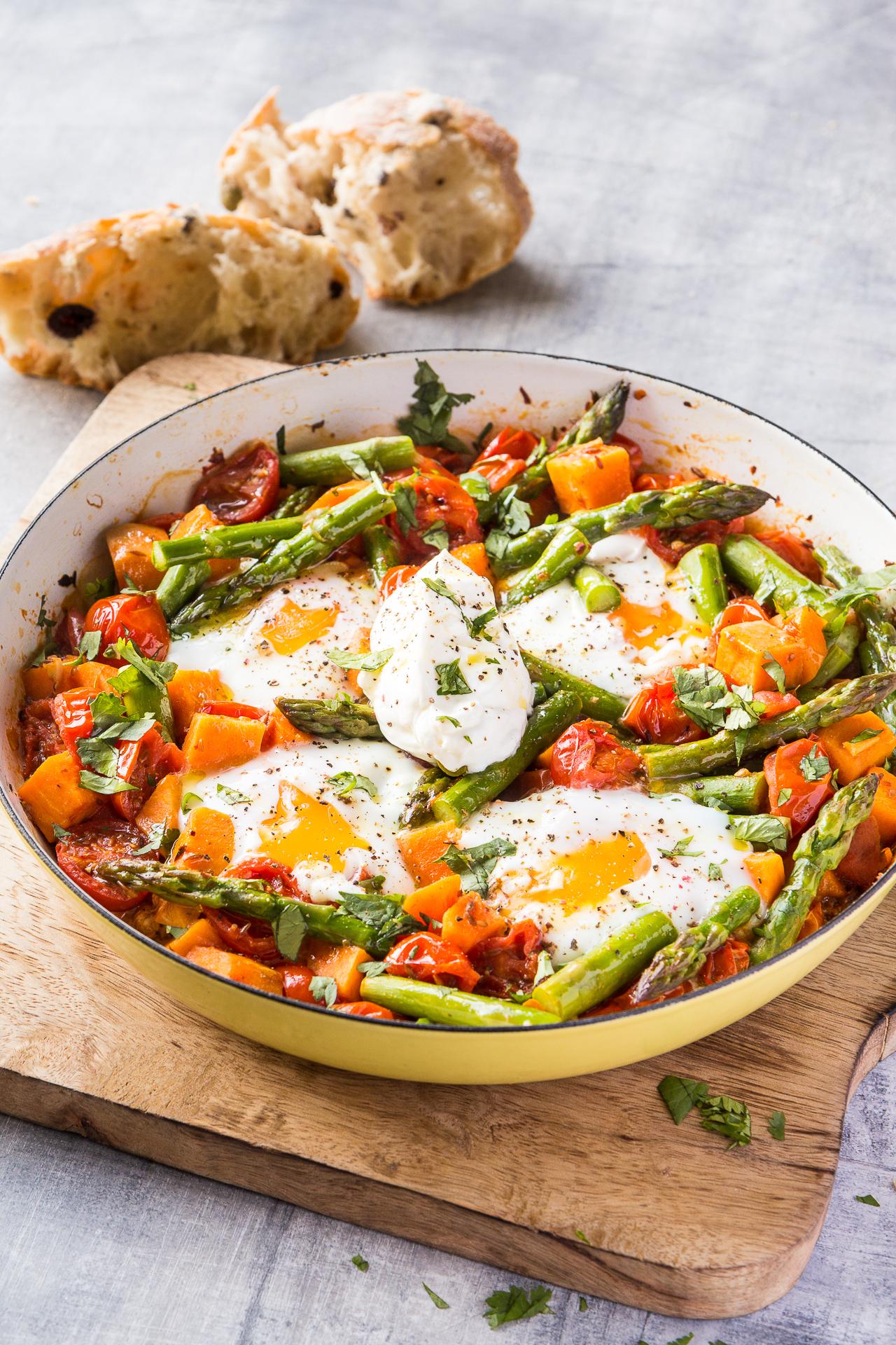 Asparagus, sweet potato and tomato egg shakshouka